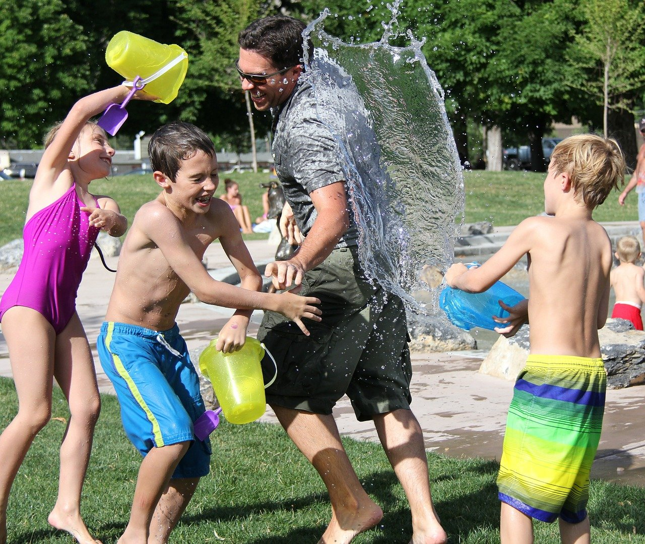 water-fight-442257_1280.jpg