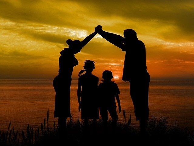 family-1466262_640
