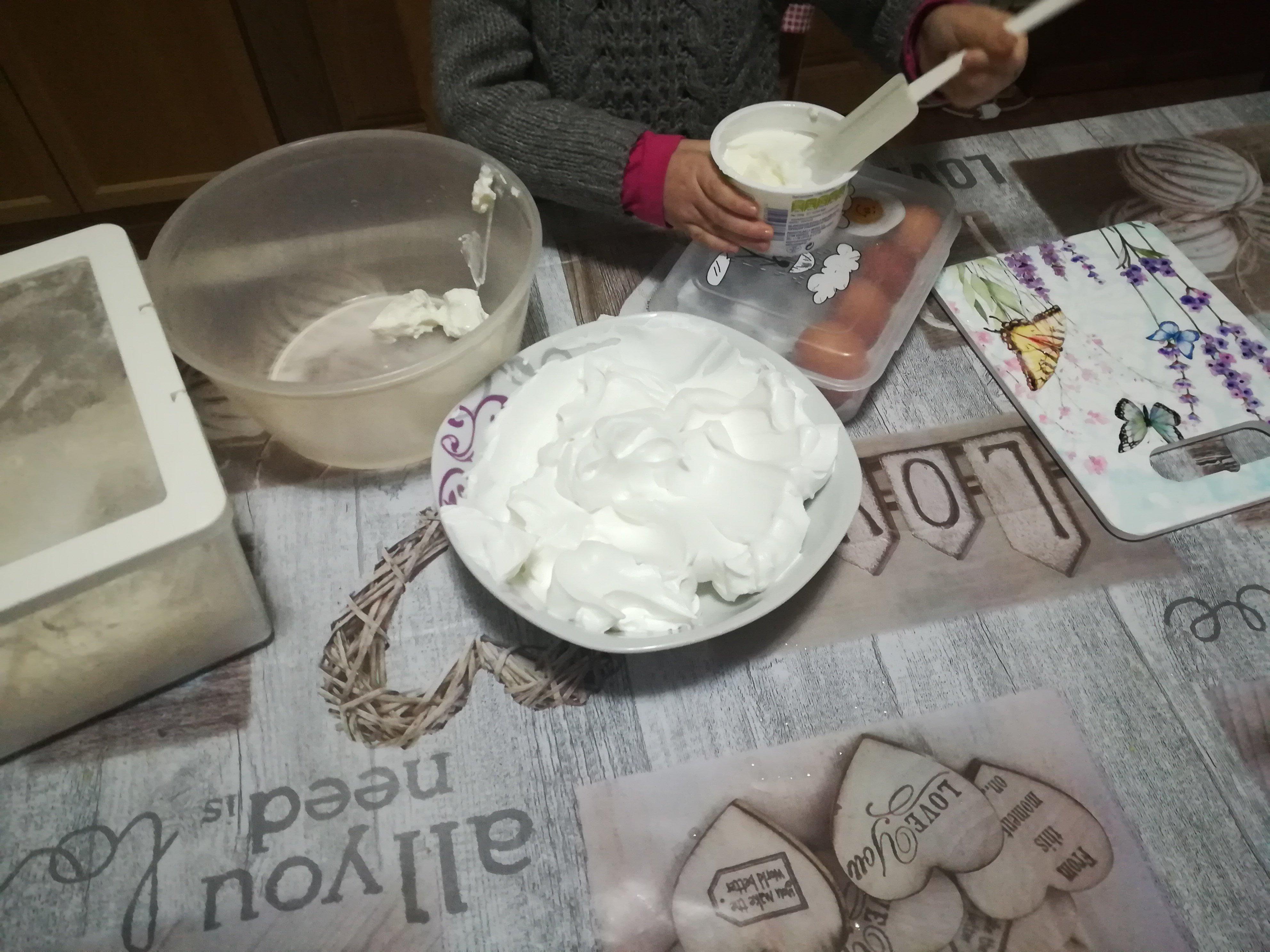Torta panna e yogurt senza lattosio for Yogurt greco land
